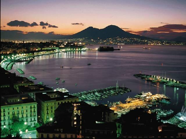 sunset-city-of-naples
